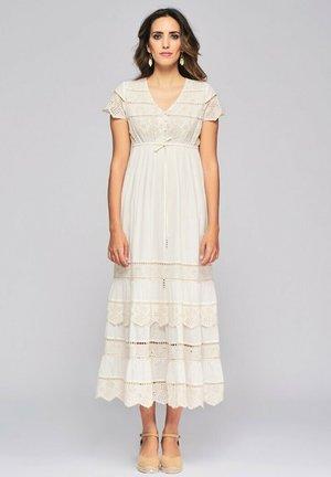 BORDADO - Maxi dress - crudo