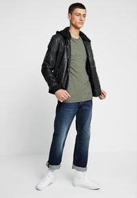 Pepe Jeans - KINGSTON ZIP - Straight leg jeans - blue - 1