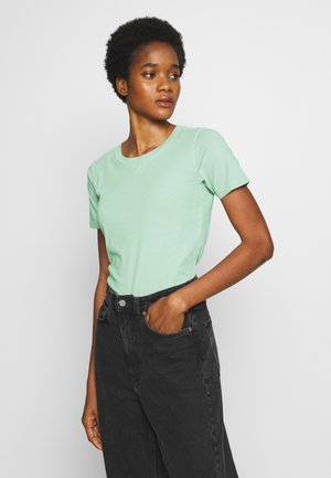 MYSID RECYCLE DYE SLIM - T-shirt basic - freez green