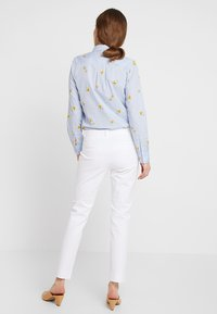 Banana Republic - SLOAN SOLID - Spodnie materiałowe - white - 2