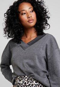 Vero Moda - VMCESINA V NECK  - Sweatshirt - dark grey - 4