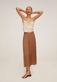 Mango - MEMORY - Trousers - marron - 1