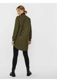 Vero Moda - JACKE   - Light jacket - ivy green - 2