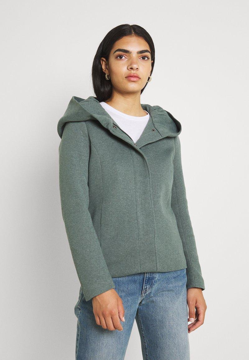 ONLY - ONLSEDONA - Halflange jas - balsam green