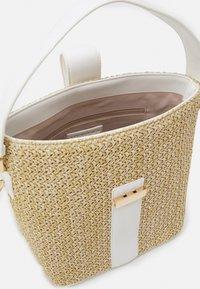 Forever New - IMOGEN BUCKET BAG - Handbag - straw/white - 2