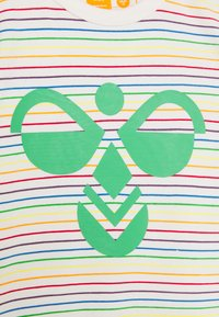 Hummel - RAINBOW BODYSUIT - Tuta - whisper white - 3