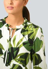 Alba Moda - Long sleeved top - weiß grün - 3