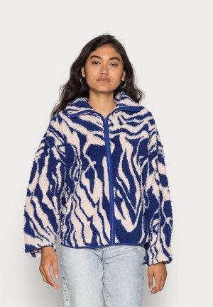 GABBY - Fleece jacket - rave blue