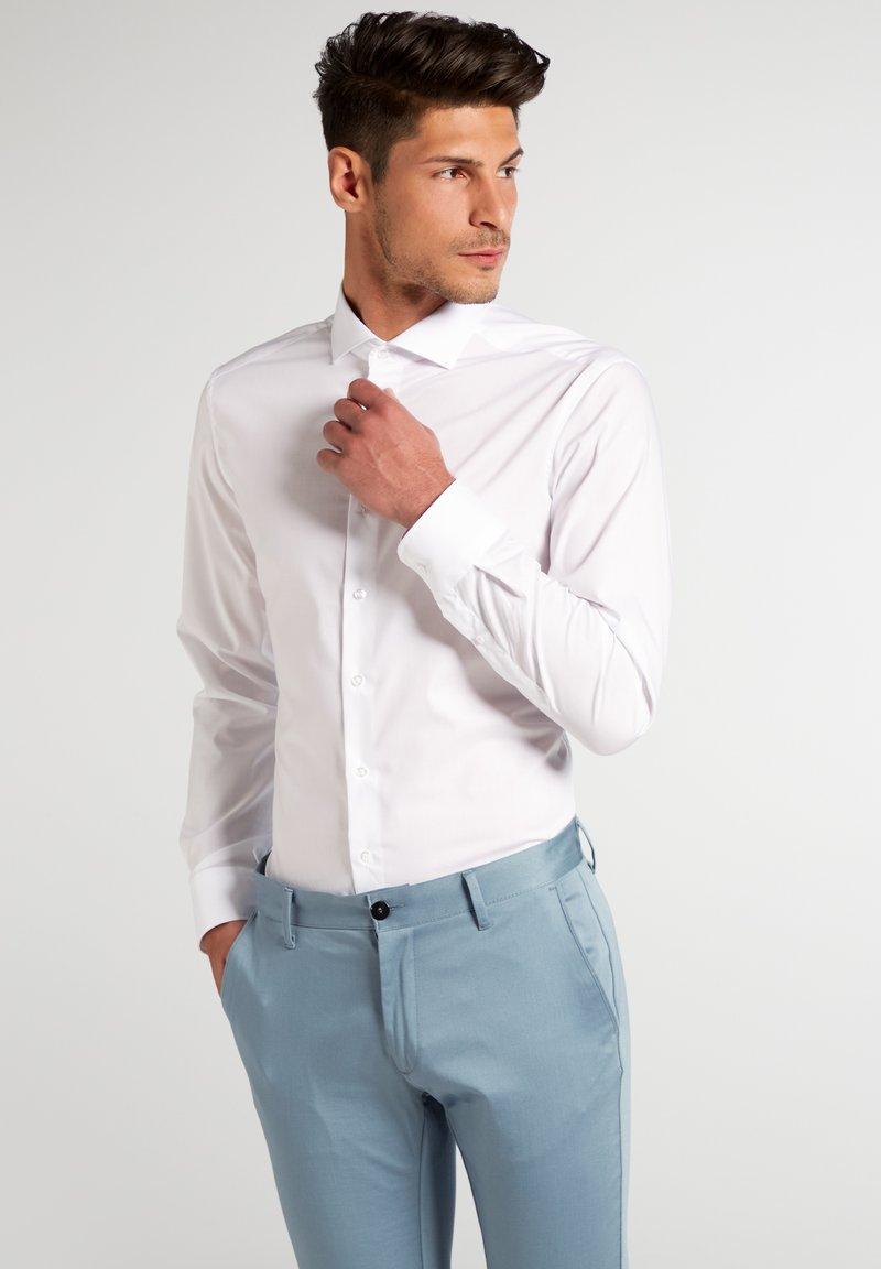 Eterna - UNI STRETCH SLIM FIT - Kostymskjorta - white