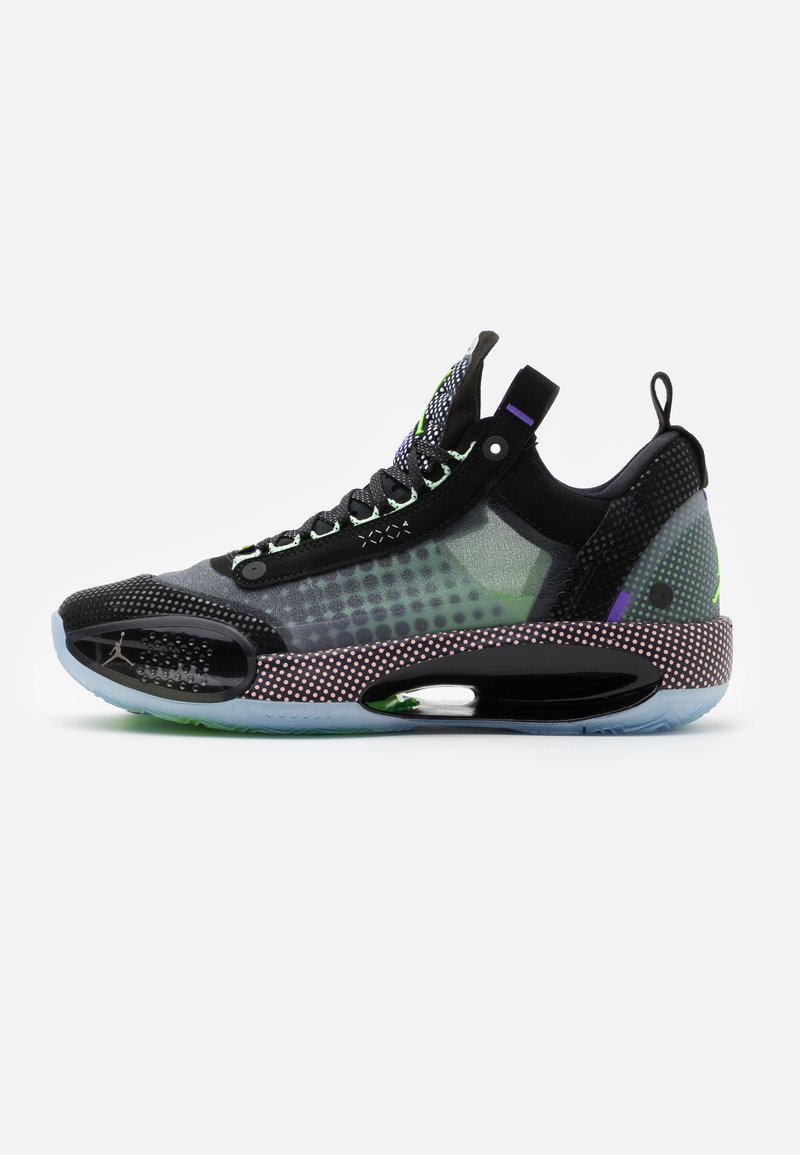 Jordan - AIR XXXII - Koripallokengät - black/white/vapor green/bleached coral