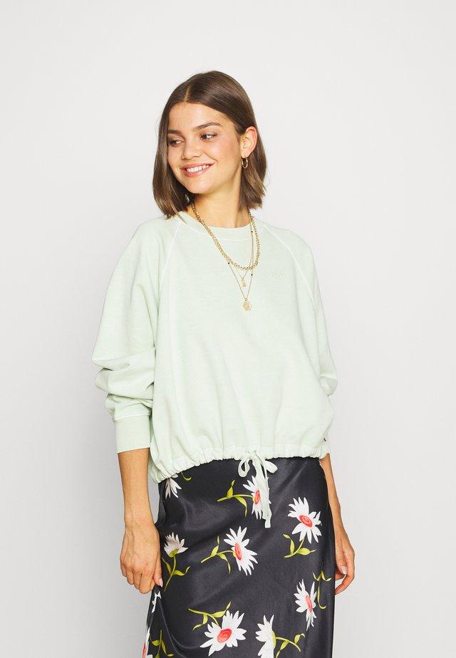 CINCHED CREW - Sweatshirt - light green
