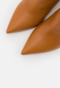 Pura Lopez - Ankle boots - chestnut - 5