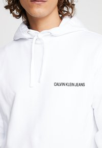 Calvin Klein Jeans - BACK LOGO  - Hoodie - bright white - 3