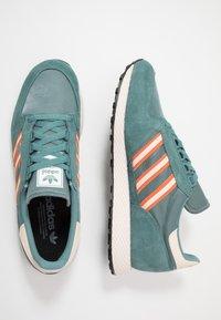 adidas Originals - FOREST GROVE - Trainers - raw green/linen/orange - 1