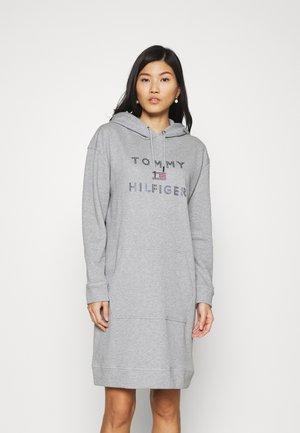TIARA HOODED DRESS - Denní šaty - light grey heather