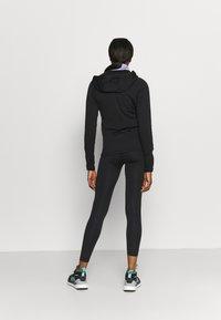 Peak Performance - CHILL ZIP HOOD - Fleece jacket - black - 2