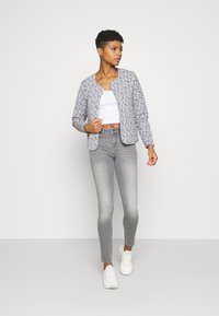 ONLY - ONLANNE MID SKINNY - Jeans Skinny Fit - grey denim - 1