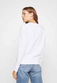Calvin Klein - CORE LOGO - Sweatshirt - bright white - 2
