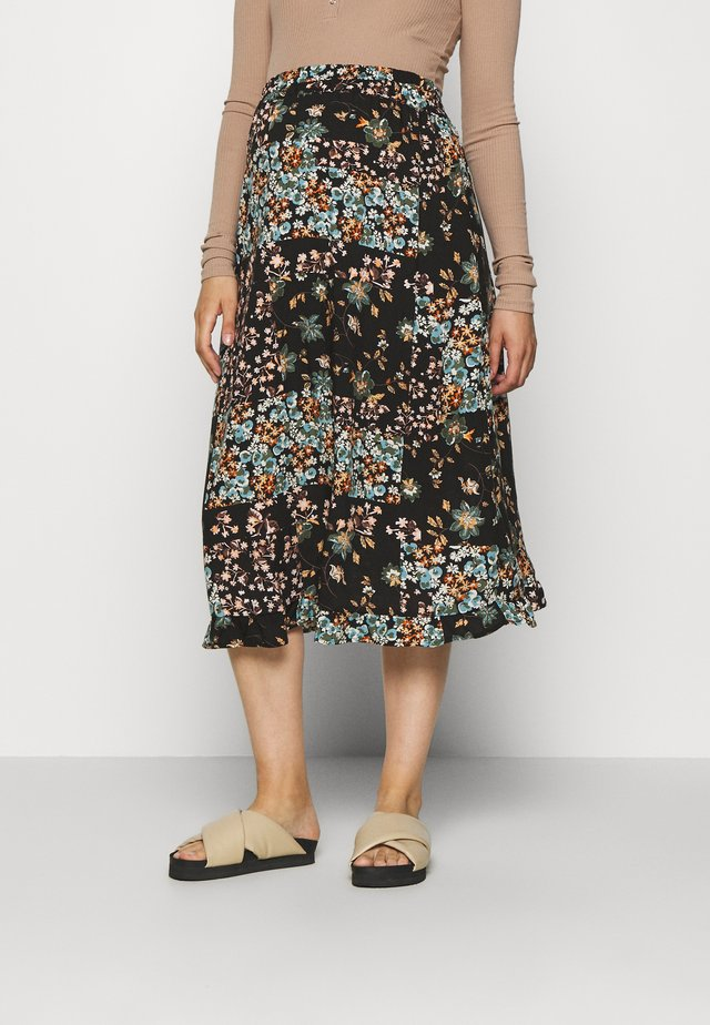 PCMBECCA MIDI SKIRT - Gonna a campana - black/black block army