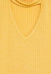 New Look 915 Generation - SOPHIE CHOKER - Žerzejové šaty - yellow - 2