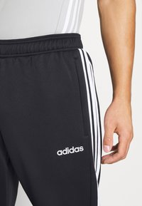 adidas Performance - SERENO AEROREADY TRAINING SPORTS SLIM PANTS - Träningsbyxor - black/white - 4