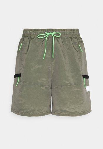 SPECIALTY SHORT - Pantalón corto de deporte - desert sage