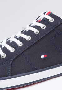 Tommy Hilfiger - Baskets basses - midnight - 5
