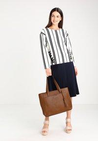 Anna Field - Bolso shopping - cognac - 1