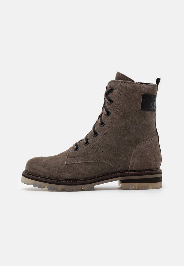 BOOTS - Botines con cordones - dark grey