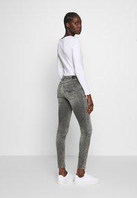 Replay - NEWLUZ HYPERFLEX - Jeans Skinny Fit - grey - 2