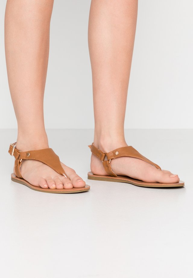 WIDE FIT TAMPA - T-bar sandals - tan