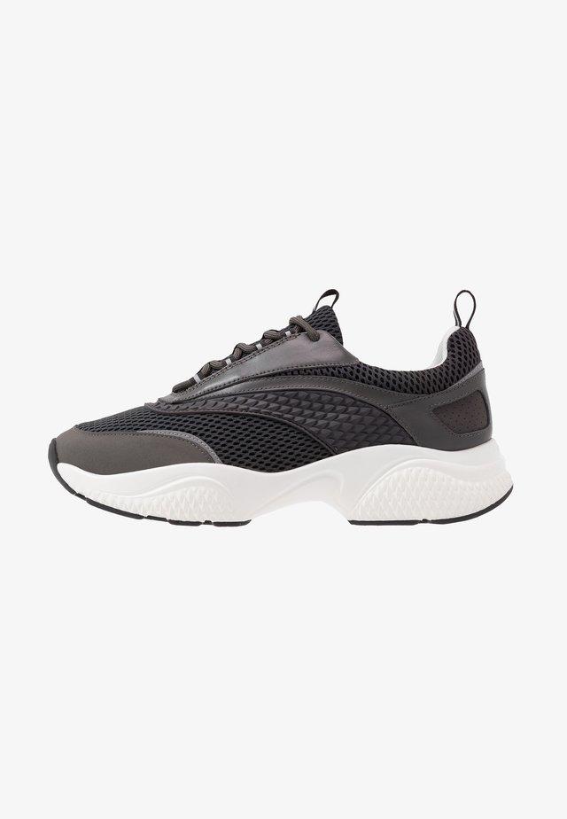SCALE RUNNER  - Sneakers basse - grey