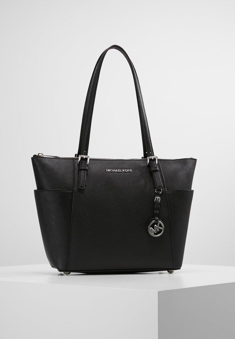 micheal kors väska i svart och silver