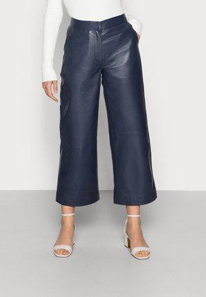 ROXY  - Pantalon en cuir - maritime
