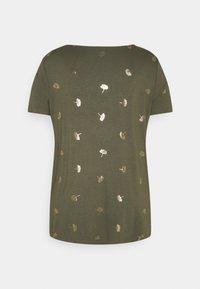 ONLY Carmakoma - CAREMA - T-shirts med print - kalamata - 6