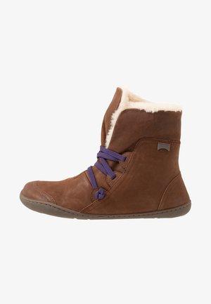 PEU CAMI - Snørestøvletter - brown