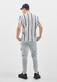 Bershka - Print T-shirt - white - 1