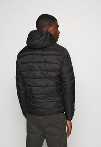 Jack & Jones - JJVINCENT PUFFER HOOD - Zimní bunda - black - 2