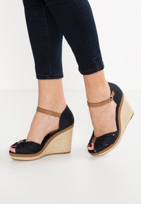 Tommy Hilfiger - ICONIC ELENA SANDAL - High heeled sandals - dark blue - 0