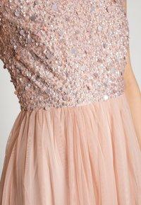 Lace & Beads - PICASSO CAP SLEEVE - Společenské šaty - nude belle - 5