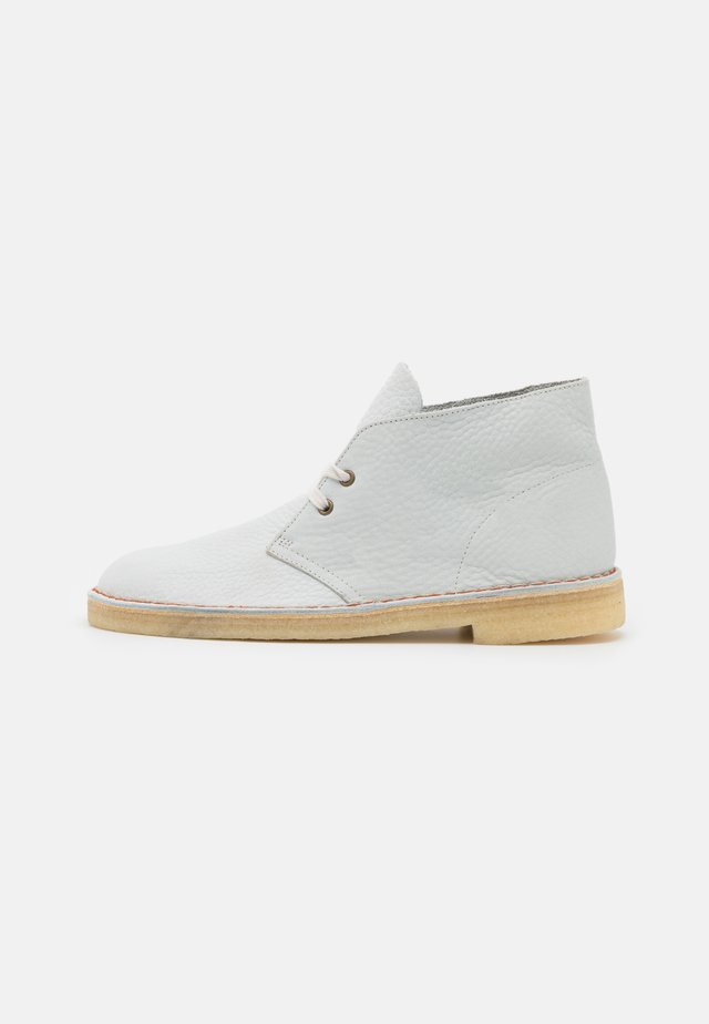 DESERT BOOT - Casual lace-ups - white