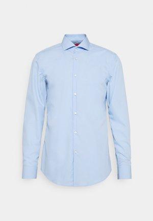 KASON SLIM FIT - Chemise classique - light pastel blue