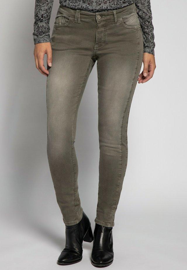 JULIA  - Slim fit jeans - khakigrün