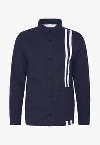 Junk De Luxe - CONTRAST STRIPE OUTERSHIRT - Summer jacket - mid blue - 4