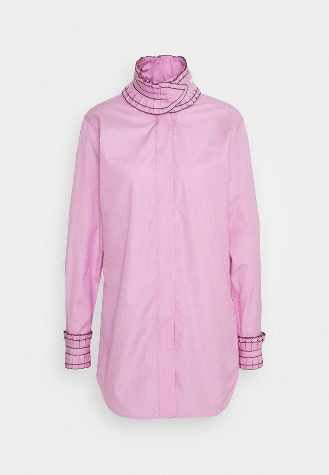 RUFFLE SHIRT - Camicia - pink/white