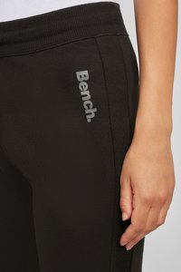 Bench - Tracksuit bottoms - schwarz - 3