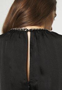 MICHAEL Michael Kors - CHAIN TIERED DRESS - Vestito lungo - black - 7