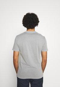 AllSaints - OSSAGE CREW - Basic T-shirt - parma grey - 2