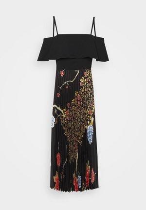 PLEATED COLD SHOULDER RECYCLED DRESS - Vapaa-ajan mekko - jumbo black