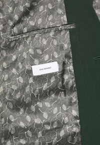 Isaac Dewhirst - THE FASHION SUIT  - Kostym - green - 8